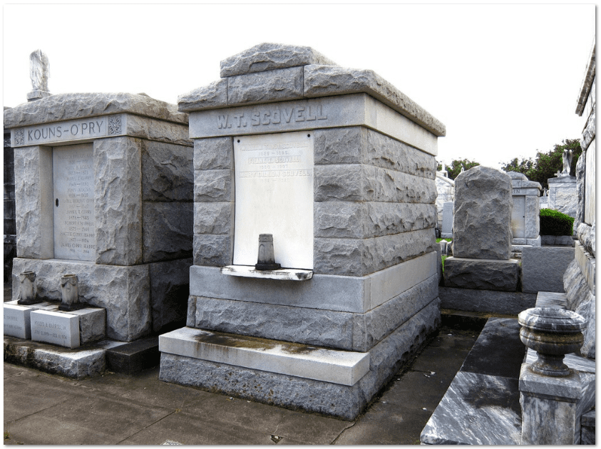 photo of the crypt of William T. Scovell and Mary Dillon in Louisiana