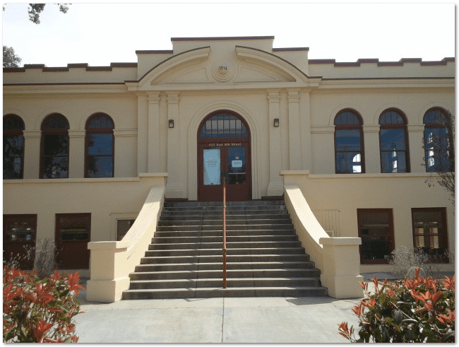 photo of the Carnegie library in Beaumont, California