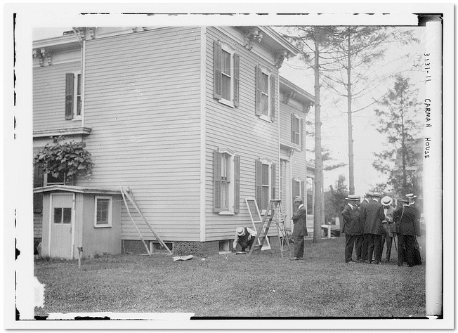 photo of the 1914 murder investigation at the home of Dr. Edwin Carman