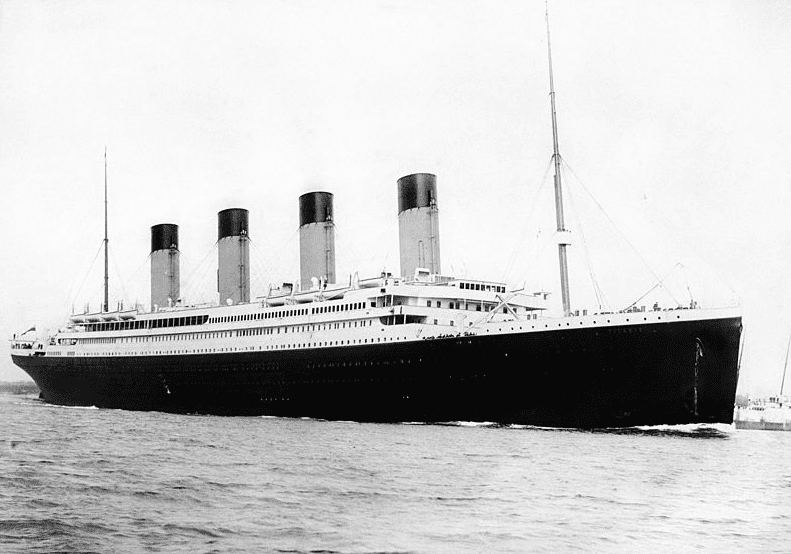 photo of the Titanic departing Southampton, England, on 10 April 1912