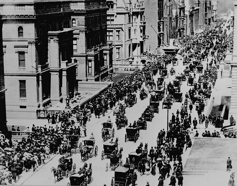 photo of the Fifth Avenue Easter Parade, New York City, 1900