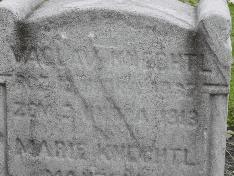 photo of the headstone for Vaclav Knechtl