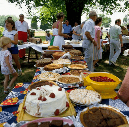 photo of cakes and pies at a family reunion in Mayodan, North Carolina