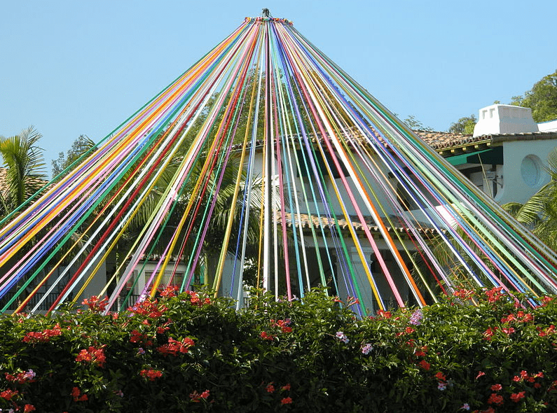 photo of a maypole at Archer School for Girls (former Eastern Star Home) in Brentwood, Los Angeles, California