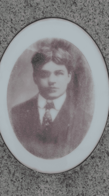 photo of Albert Sluka from his tombstone in Woodland Cemetery, Cleveland, Ohio