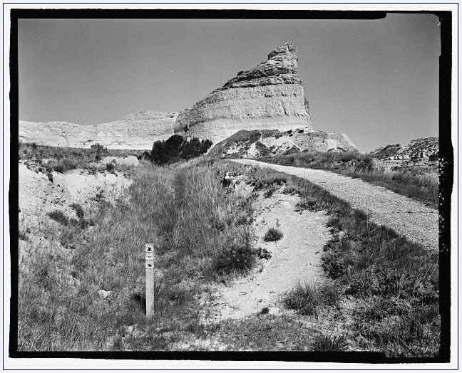photo of the Oregon Trail, original cut and marker post; Scotts Bluff Summit Road, Gering, Scotts Bluff County, Nebraska (unknown date)