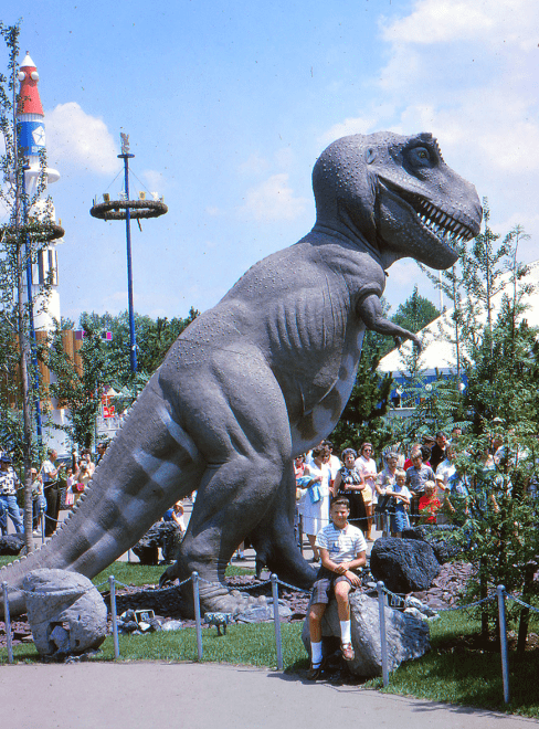photo of a Tyrannosaurs Rex exhibit from the 1964 World's Fair