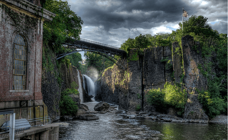 photo of the Great Falls of the Passaic River in Paterson, New Jersey