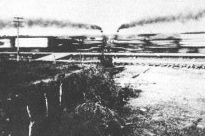 photo of the moment of impact of the train crash at Crush, Texas, on 15 September 1896