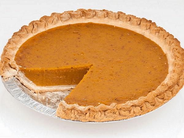 Photo: pumpkin pie. Credit: Evan-Amos; Wikimedia Commons.