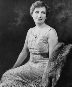 photo of Nellie Tayloe Ross, 1922