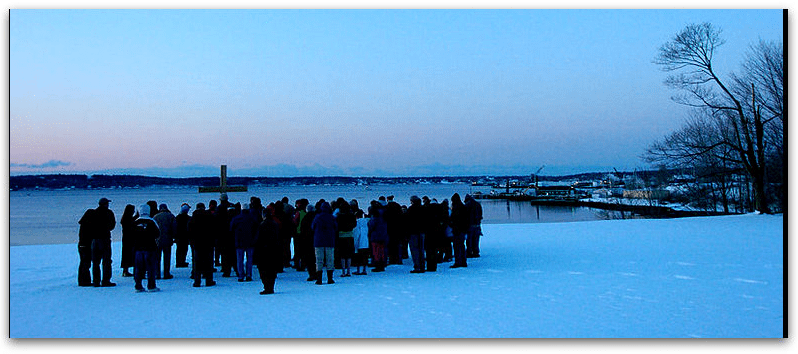 photo of a 2007 Easter sunrise service, Rockland, Maine