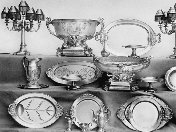 Photo: silverware. Source: Library of Congress.