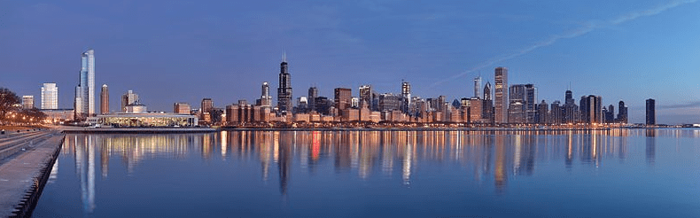 photo of the Chicago skyline at sunrise
