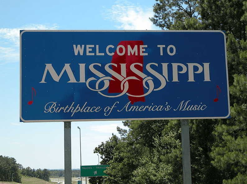 photo of aMississippi welcome sign on Interstate 20