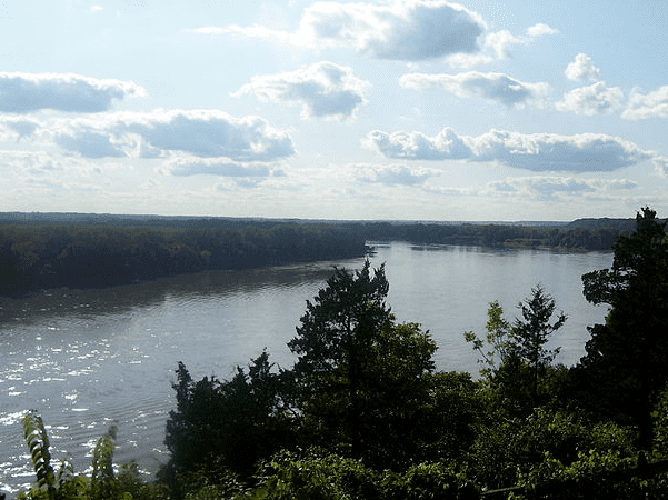 Photo: a stretch of the Missouri River between Rocheport, MO, and Boonville, MO. Credit: Aimee Castenell; Wikimedia Commons.