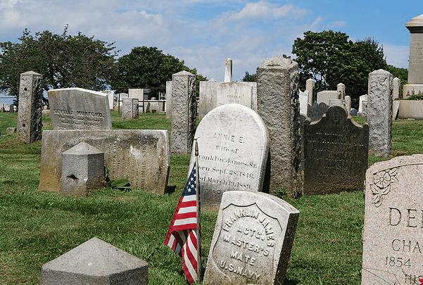 Photo: Common Burying Ground and Island Cemetery in Newport, Rhode Island. Credit: Matt H. Wade; Wikimedia Commons.