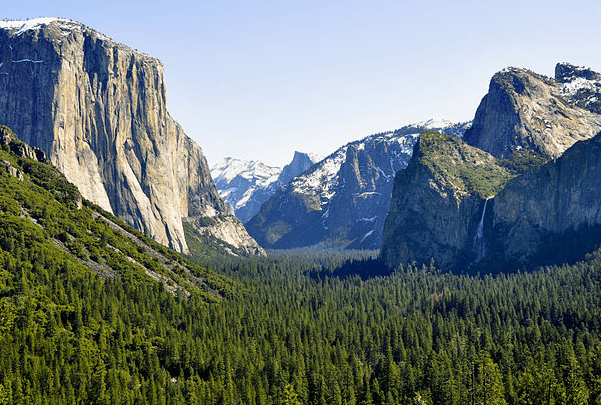 Photo: Yosemite Valley, California. Credit: chensiyuan; Wikimedia Commons.