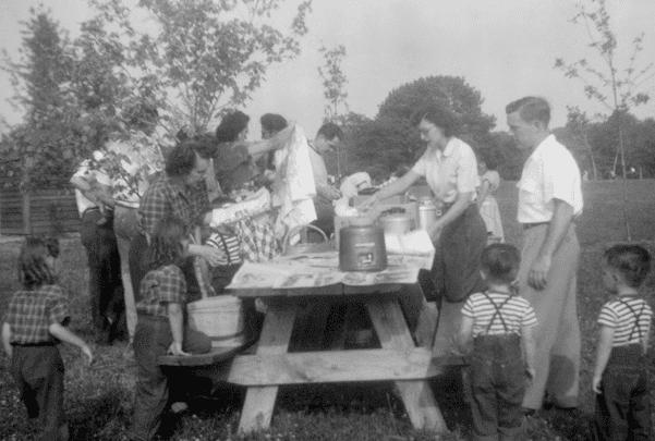 Photo: a picnic in Columbus, Ohio, c. 1950. Credit: Postdlf; Wikimedia Commons.