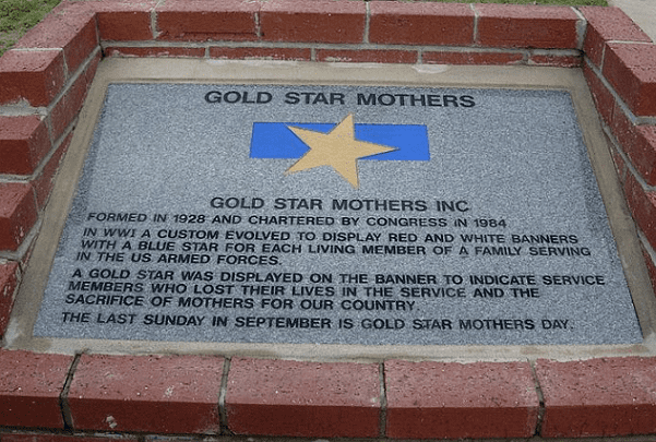 Photo: Gold Star Mothers monument, Ocala-Marion County Veterans Memorial Park, Ocala, Florida. Credit: Mlpearc; Wikimedia Commons.
