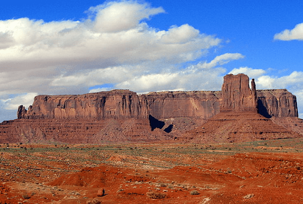 Photo: view of Monument Valley from John Ford's Point, Arizona. Credit: Bernard Gagnon; Wikimedia Commons.