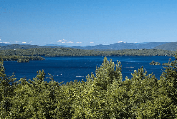 Photo: Lake Winnipesaukee and the Ossipee Mountains, New Hampshire. Credit: Don Kasak; Wikimedia Commons.