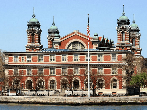 Photo: Ellis Island, East side of the main building. Credit: Ingfbruno; Wikimedia Commons.