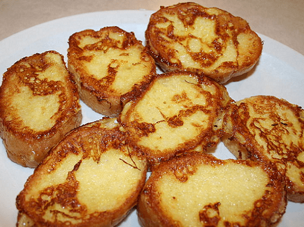 Photo: French toast served at Mac's Restaurant in Rochester, Minnesota. Credit: Jonathunder; Wikimedia Commons.