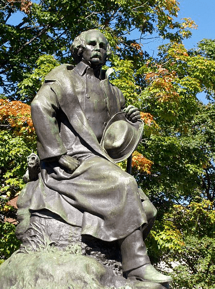 Photo: statue of Nathaniel Hawthorne by sculptor Bela Pratt, in Salem, Massachusetts