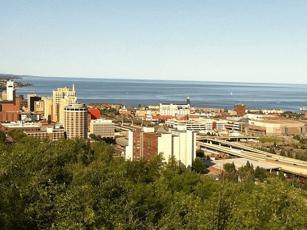 Photo: downtown Duluth, Minnesota, looking out toward north shore and Lake Superior, 2012. Credit: Joey1niner; Wikimedia Commons.