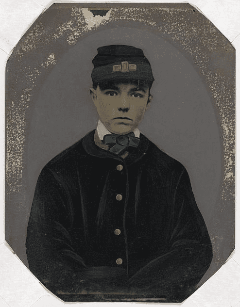 Photo: unidentified young Union Civil War soldier