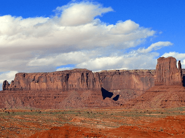 Photo: Monument Valley, Arizona. Credit: Bernard Gagnon; Wikimedia Commons.