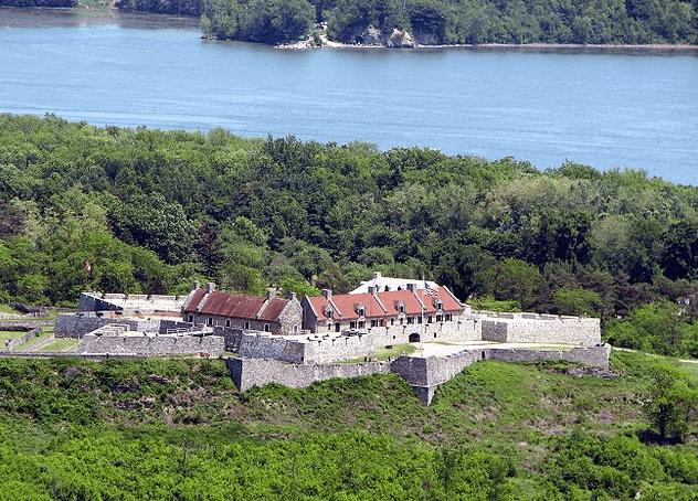 Photo: Fort Ticonderoga, Ticonderoga, New York, from Mount Defiance