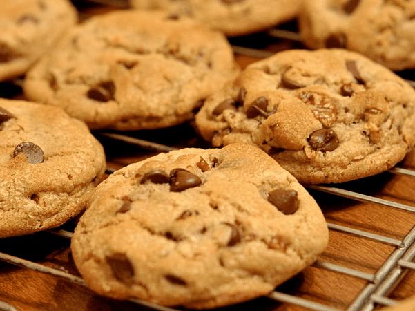Photo: chocolate chip cookies. Credit: Kimberly Vardeman; Wikimedia Commons.
