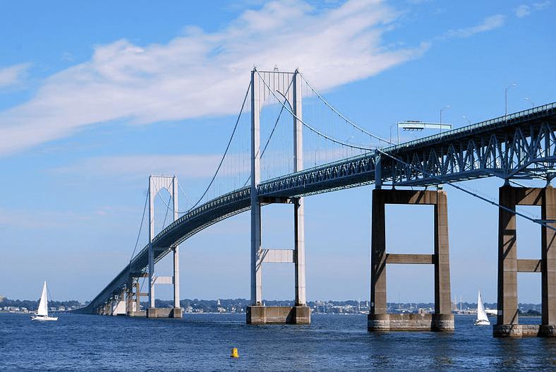 Photo: the Claiborne Pell Newport Bridge in Newport, Rhode Island