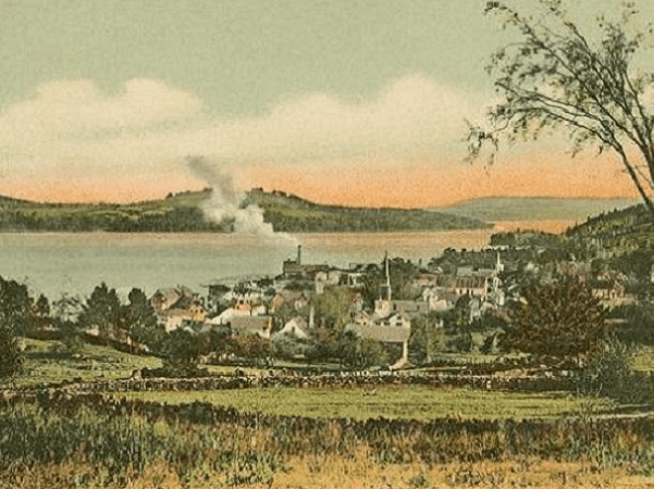 Photo: Meredith Village, New Hampshire, from a 1905 postcard. Credit: Wikimedia Commons.