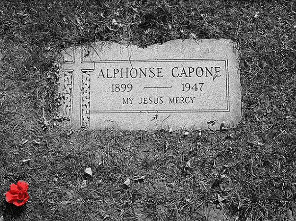 Photo: Al Capone's grave, Mount Carmel Cemetery, Hillside, Illinois. Credit: JOE M500; Wikimedia Commons.