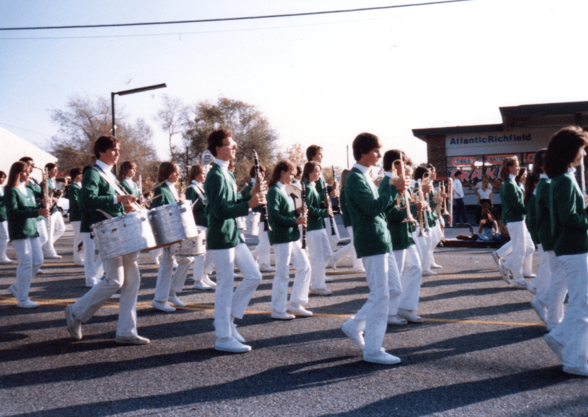Photo: the Moore Junior High Band in the Yucaipa Christmas Parade