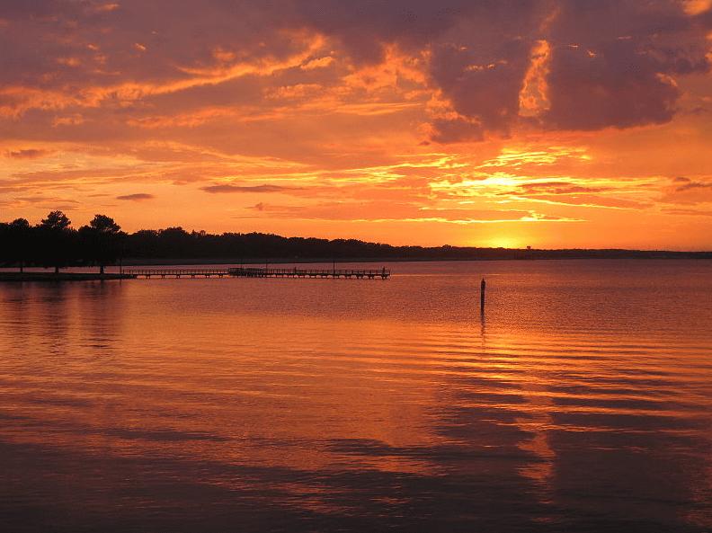 Photo: sunset on the Ross Barnett Reservoir in Brandon, Mississippi