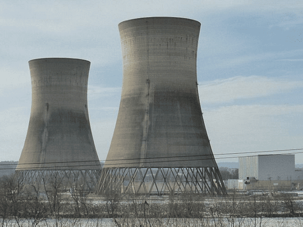 Photo: the cooling towers of Three Mile Island Nuclear Generating Station, unit 2, closed since the accident in 1979. Credit: Z22; Wikimedia Commons.
