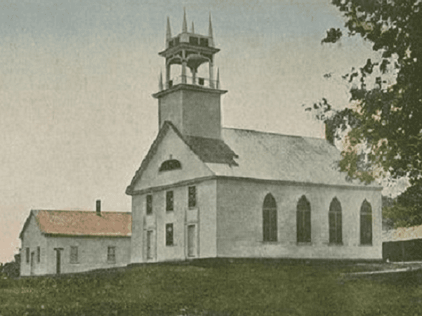 Photo: Bay Meeting House, Sanbornton, New Hampshire, built in 1836. Credit: Wikimedia Commons.