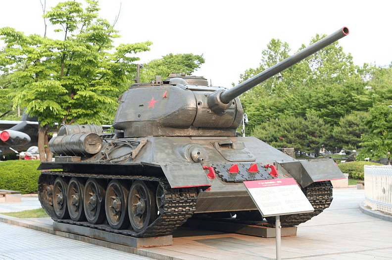 Photo: War Memorial of Korea Park: the T-34 tank was standard armor used by the North Korean Army in 1950 and was present at the Battle of Osan