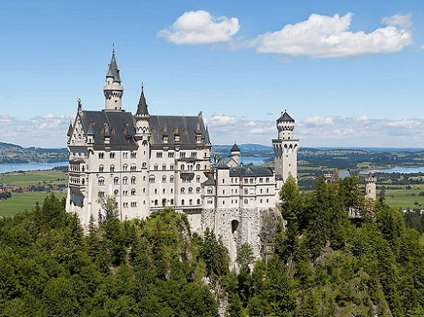 Photo: Neuschwanstein Castle, Bavaria, Germany. Credit: Thomas Wolf, www.foto-tw.de; Wikimedia Commons.