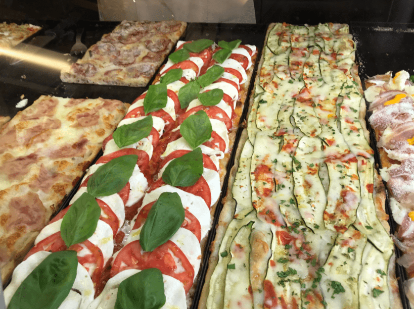 Photo: pizza in Italy