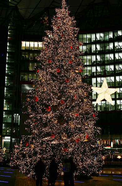 Photo: Christmas tree on the Potsdamer Platz (Sony Center) in Berlin, Germany