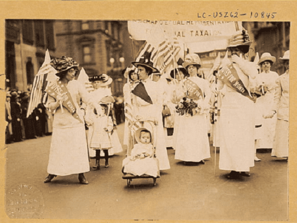 Photo: suffragist parade in New York city, May 1912. Credit: Library of Congress, Prints and Photographs Division.
