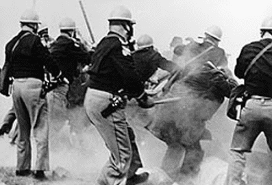 Photo: Alabama State troopers attack civil rights demonstrators outside Selma, Alabama, on Bloody Sunday, 7 March 1965