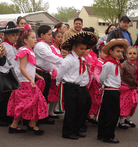 Photo: Cinco de Mayo parade in Saint Paul, Minnesota