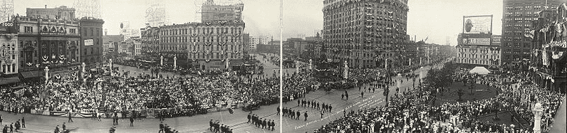 Photo: parade of the Grand Army of the Republic during the 1914 meeting in Detroit, Michigan, 2 September 1914