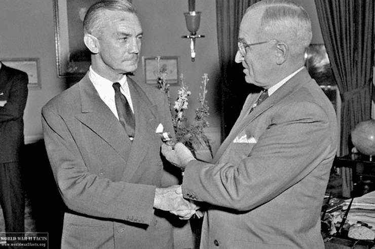 Photo: Secretary of the Navy James Forrestal and President Harry Truman